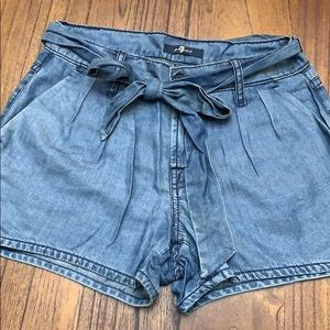 7 for all Mankind shorts - fits like 26